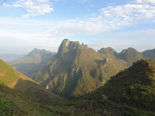 Ha Giang mtns in sun