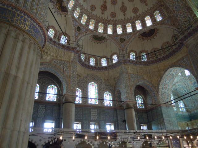 裡面的瓷磚全部出產自伊茲尼克