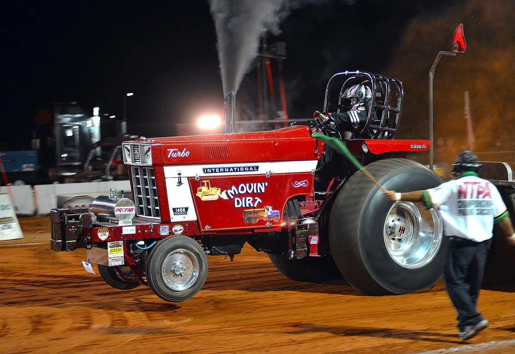 International 1466 Pulling Tractor : International farmall quot movin dirt pulling hard flickr