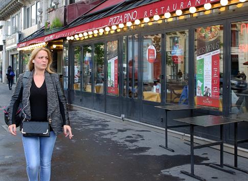 15e06 Place de la République2015-05-066227 variante Uti 485