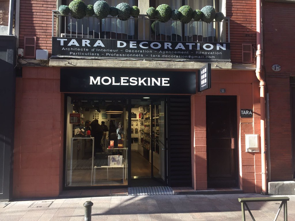 moleskine store i toulouse rue saint antoine du t. Black Bedroom Furniture Sets. Home Design Ideas