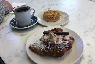Vive La Tarte - Mocha Croissant Caramel Hazelnut
