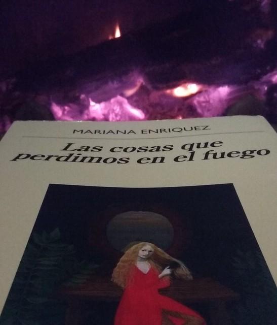 libro y fuego.