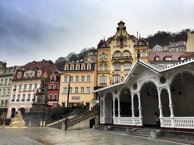 Columnata del mercado en Karlovy Vary (República Checa)