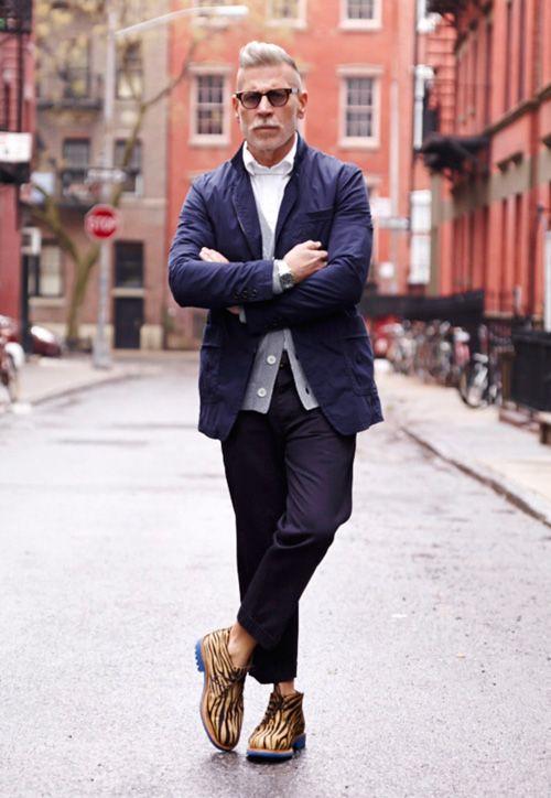 Nick Wooster es uno de los asiduos a los eventos de moda masculina y tiene looks para hombres perfectos