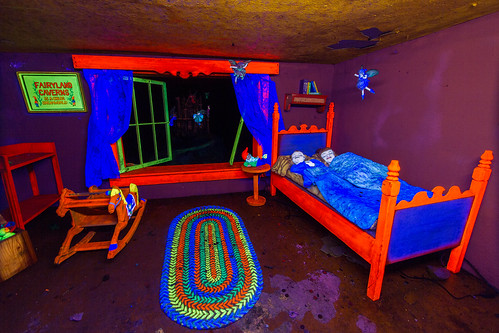 trippy bedroom fairyland caverns built in the late 40s r