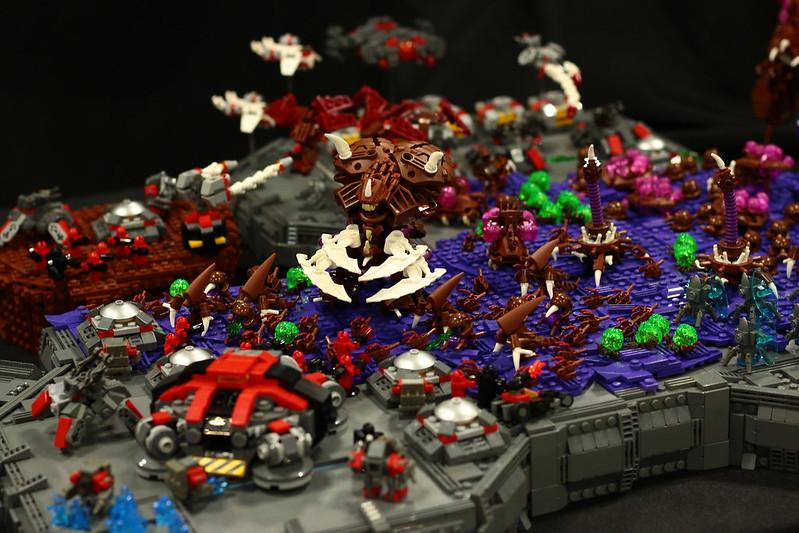 LEGO StarCraft: Ultralisk vs Terran: 1-0