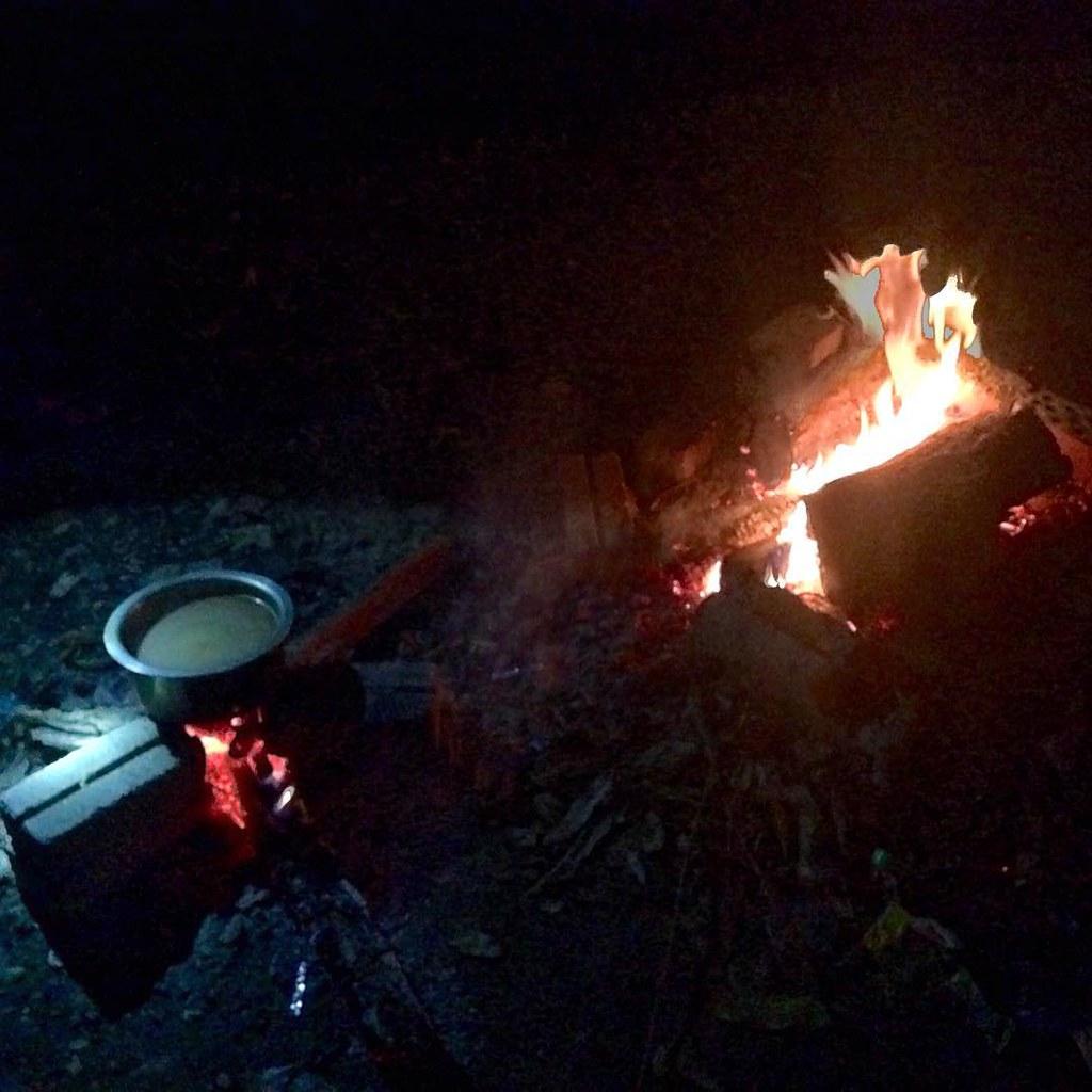 Tengok Adik2 Sebenaqnya Dh Taraf Anak2 Ni Camping Halama Flickr Wiring Lampu Rumah Halaman Siap Unggun Api Bagai