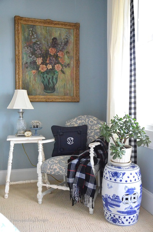 Guest Room Sitting area-Housepitality Designs