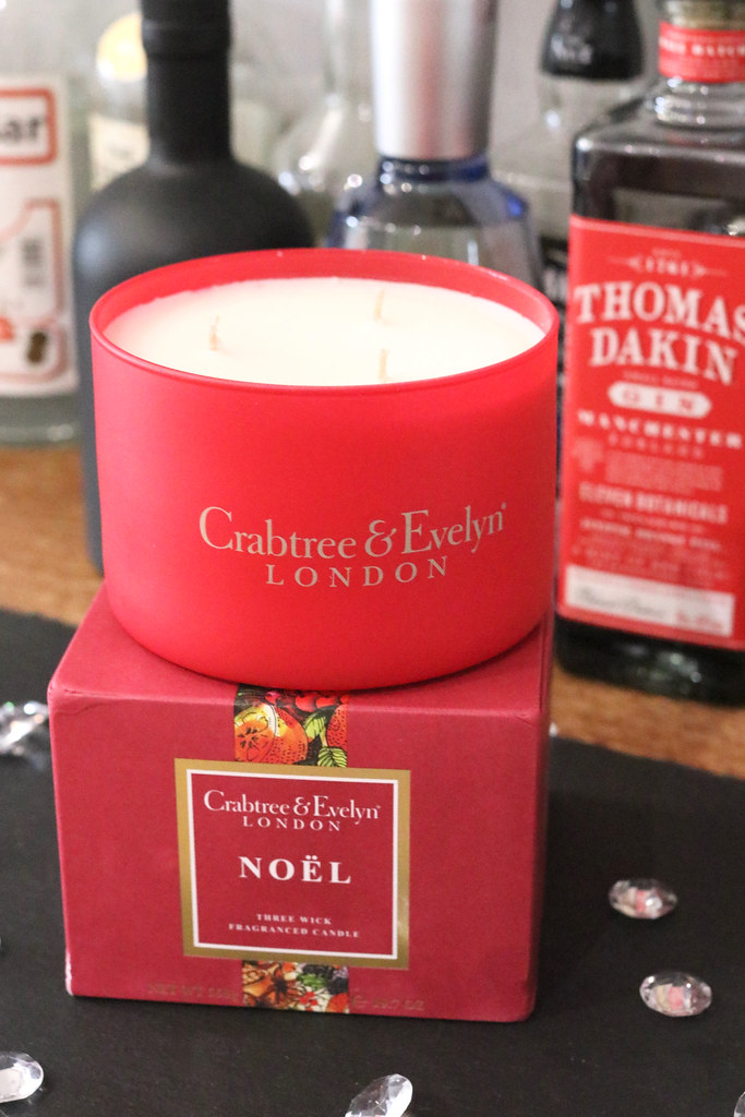 candles, candle,crabtree and evelyn,festive,festive candles, new year candles,katelouiseblog,review,