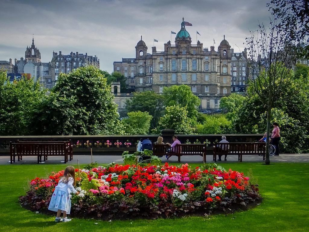 Girl With Flowers Princes Street Gardens Edinburgh Sco Flickr
