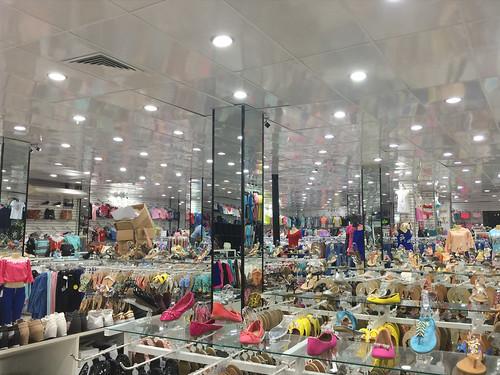 165 - Shop in Santiago de los Caballeros 03