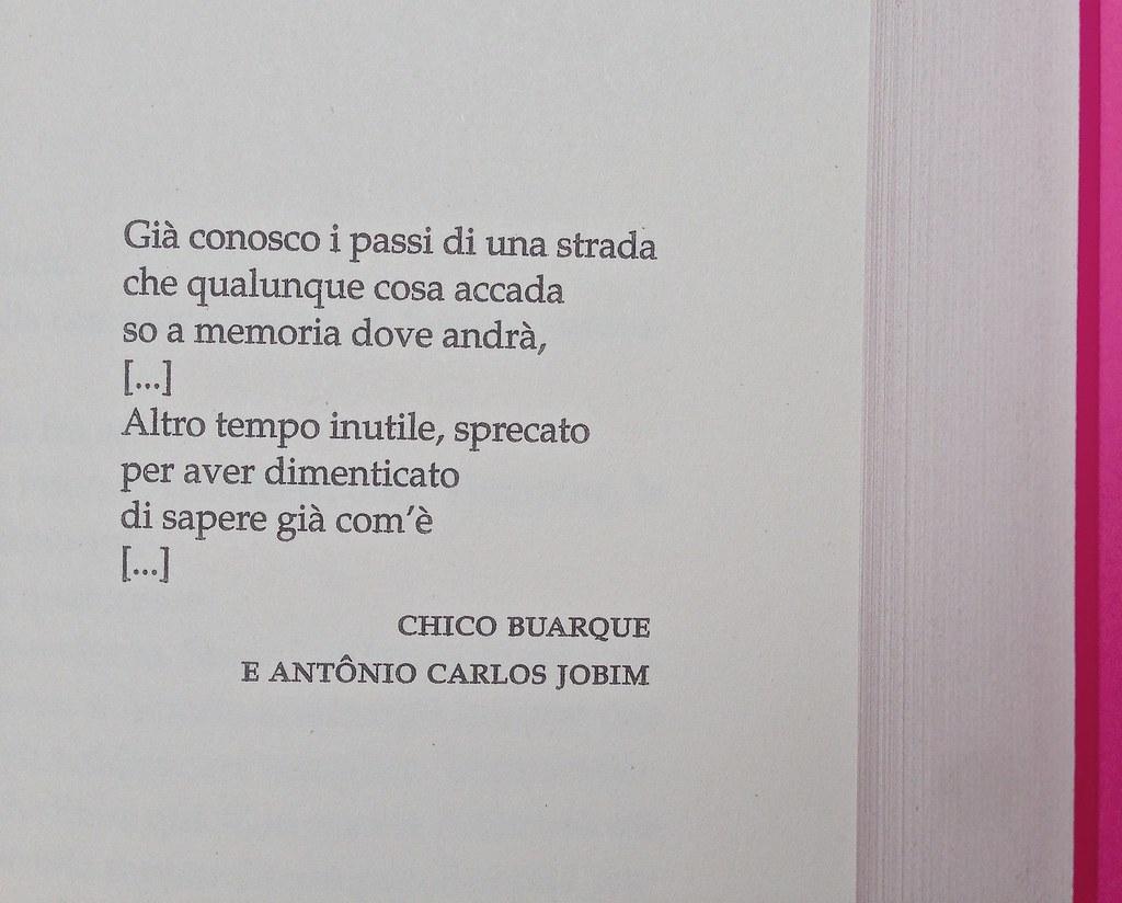 Alberto Milazzo, Uomini e insetti. Mondadori 2015. Art director Giacomo Callo; graphic designer Andrea Geremia. Pagina dell'esergo, a pag. 7 (part.), 1