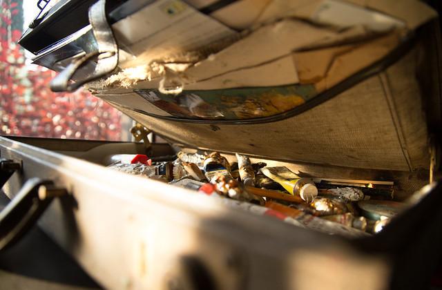 Vintage Art Briefcase - Peeking Inside