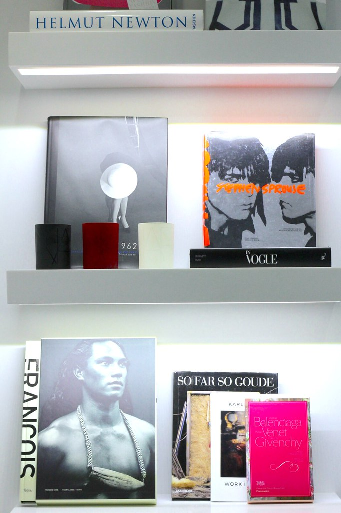 nars mv space books