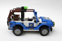 LEGO Jurassic World Dilophosaurus Ambush (75916)