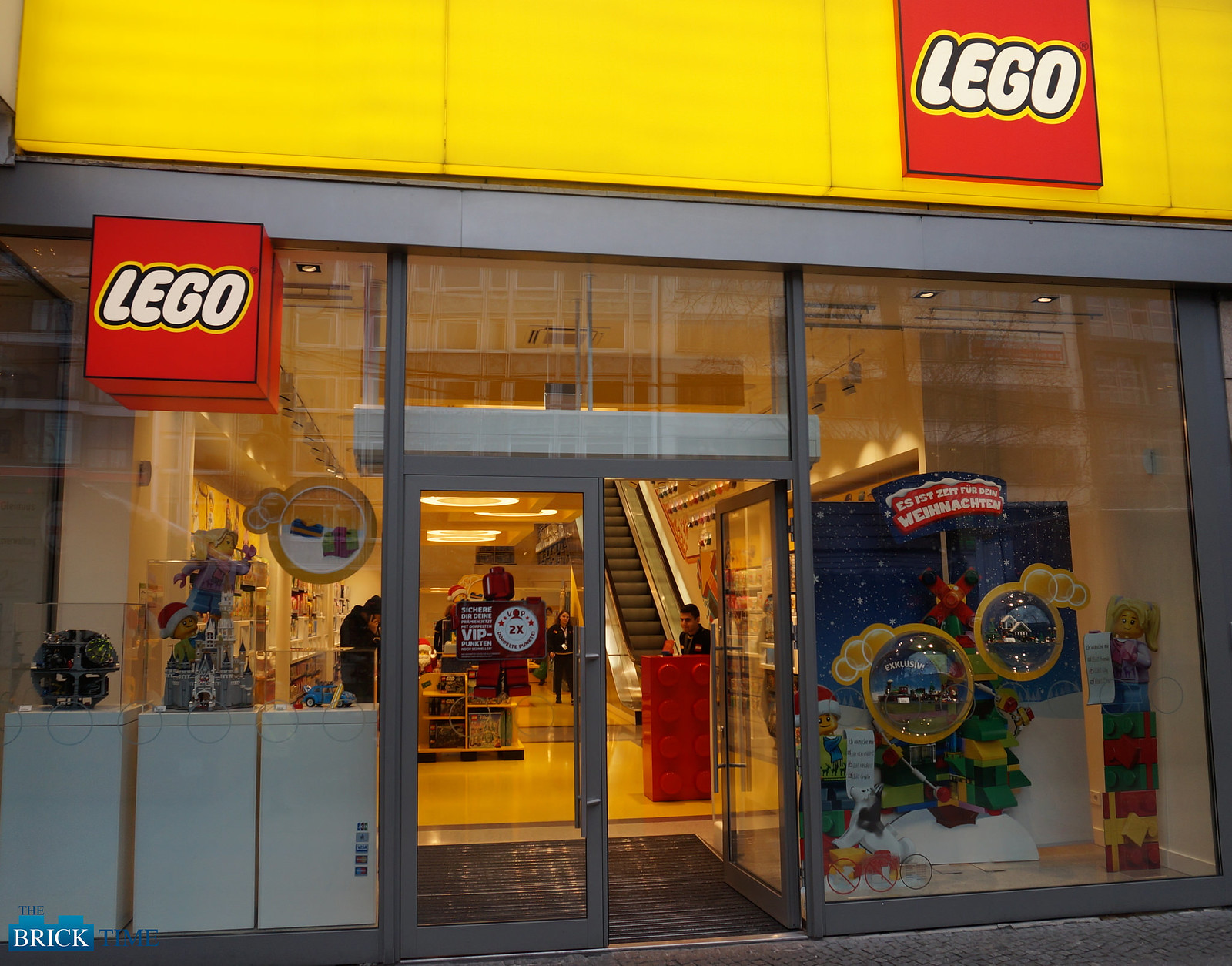 LEGO Store Berlin Entrance