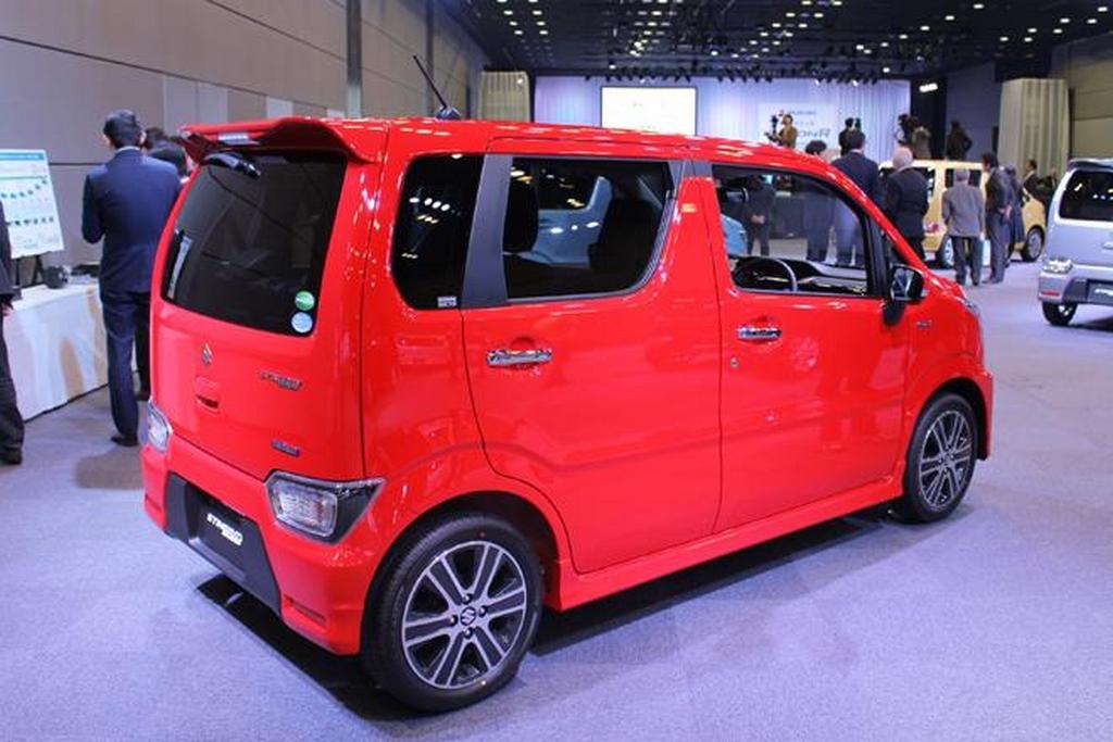 2017-Suzuki-Wagon-R-Stingray-3