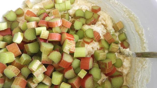 Rhubarb Muffins 10