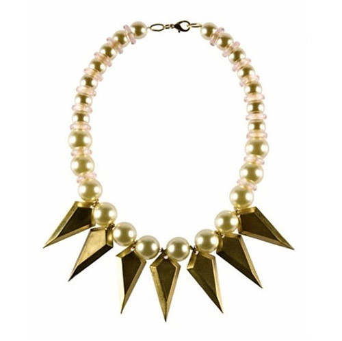 Nicole Roman-style Pearl necklace, suitable with rock style dress up.