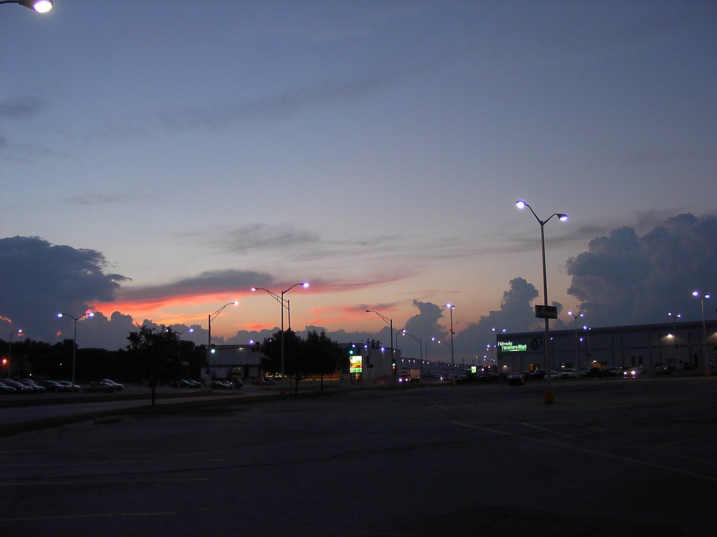 City Sunset Middle Of Omaha At The Nebraska Furniture Mart Flickr