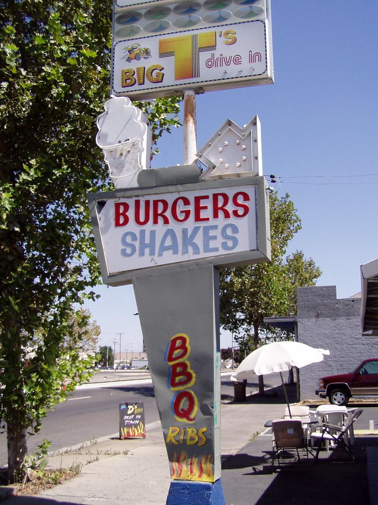 20050830 big d 39 s bbq the sign still says big t 39 s but it i flickr. Black Bedroom Furniture Sets. Home Design Ideas
