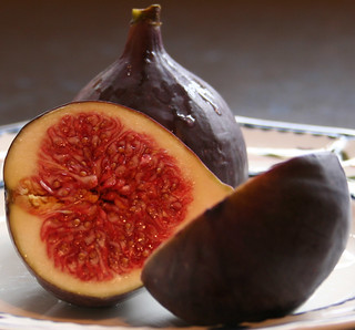 Figs for lunch 3 | by Xerones