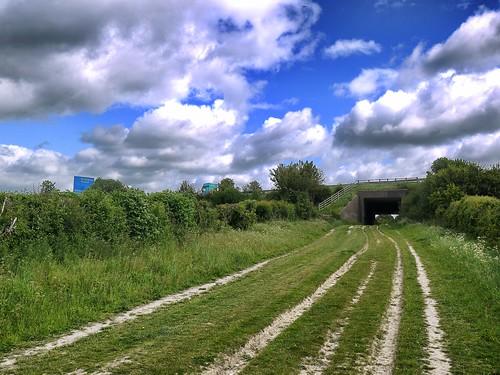 Ridgeway going under the M40