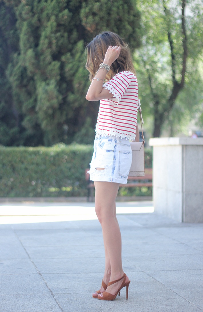 Striped T-Shirt With Denim Shorts12