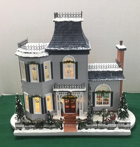 ac171223 Terri Maxwell Christmas house