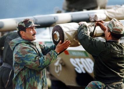 Les F.A.R. en Bosnie  IFOR, SFOR et EUFOR Althea 32897940826_e6f6f9933e_o