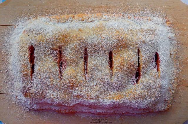 Plăcintă cu nectarine, caise si cirese
