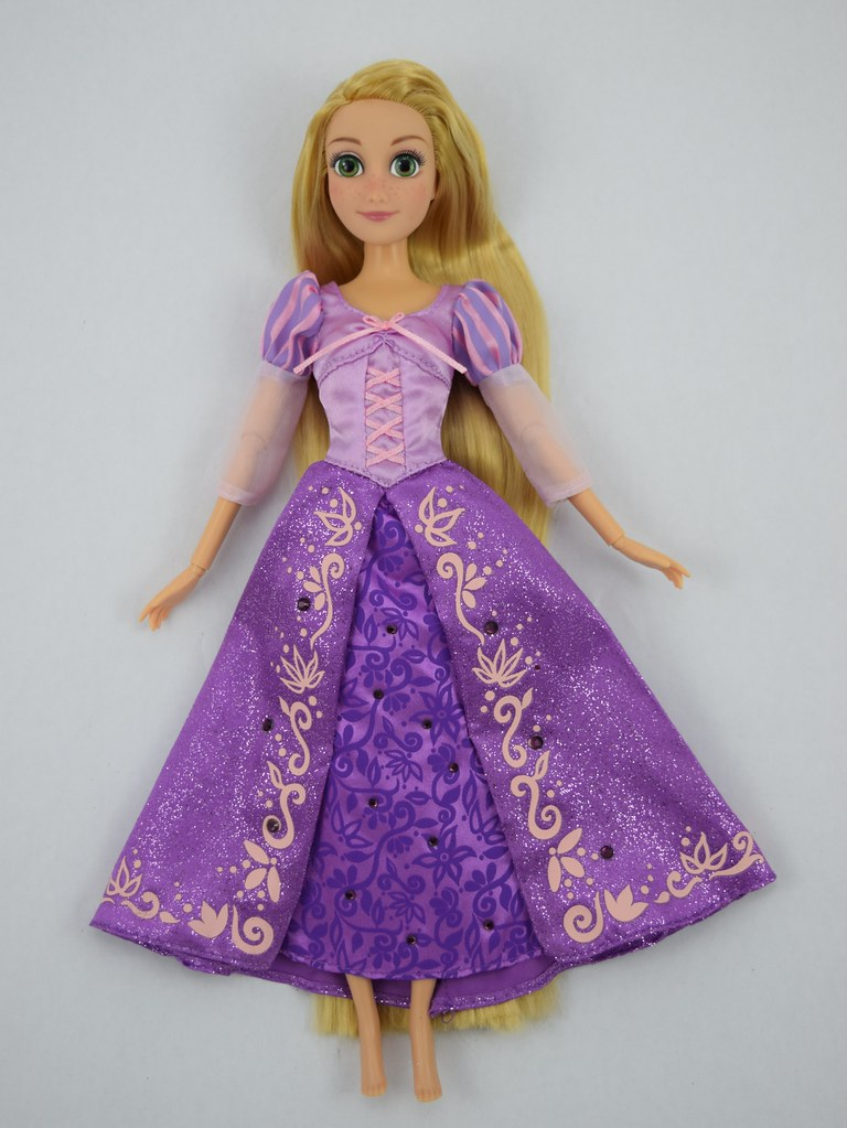 2015 Rapunzel Classic 12 Doll Disney Store Purchase