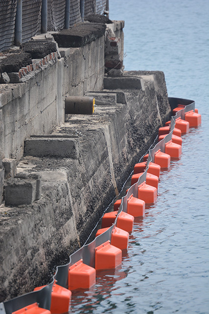 containment boom Pier 12