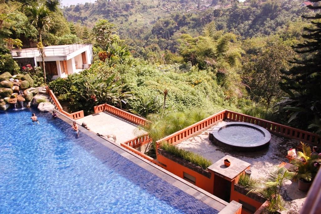 Resort Ini Juga Menawarkan Layanan Pijat Untuk Membantu Anda Relaks Setelah Sepanjang Hari Menyusuri Hutan Tempat Spa Nya Mungkin Adalah Terbaik Di