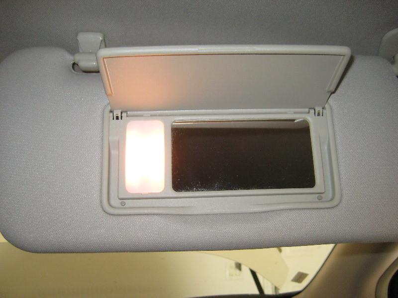 2014 Nissan Murano Sun Visor Amp Vanity Mirror Light Housing