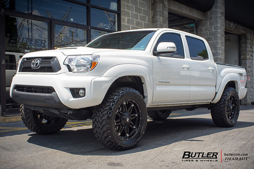 Toyota Tacoma With 20in Fuel Hostage Wheels And Toyo Mt Ti
