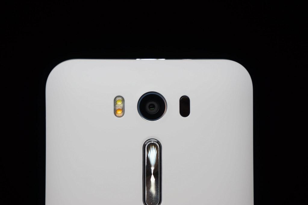 iPhone 7の実機がリーク、レーザーAF対応か
