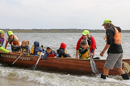 Braving the wind and the waves, students got the canoe experience without even leaving the shoreline thanks to the creativity of the Wilderness Inquiry crew (Photo Credit: Julia Schweitzer, Wilderness Inquiry).
