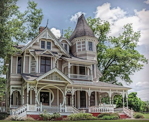 The downes aldrich house in crockett texas is an outstand 1890 home architecture