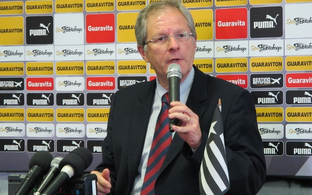 Presidente do Botafogo destaca reformula��o da equipe e elogia os jovens da equipe