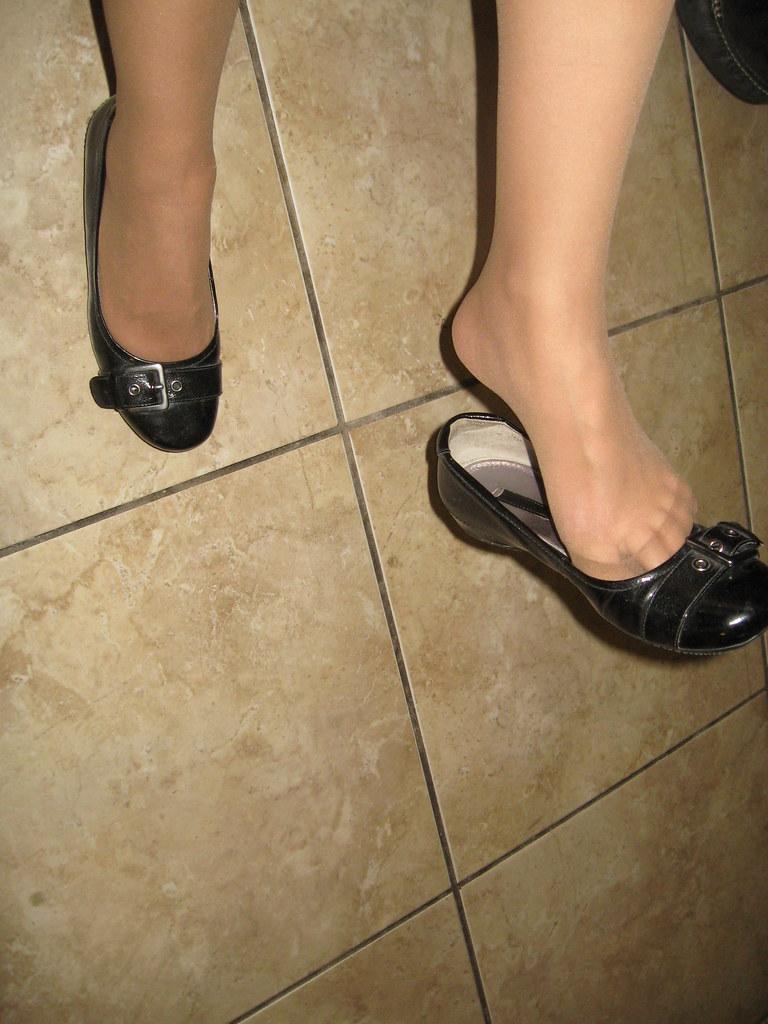 Sexy shoe heel poping