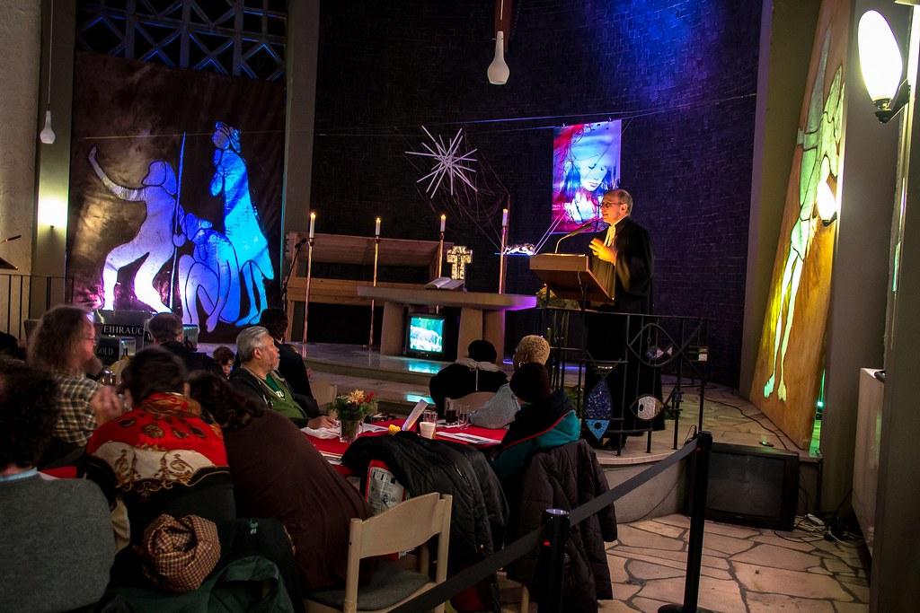 Weihnachtspredigt in der Weißfrauenkirche in der Gutleutst… | Flickr