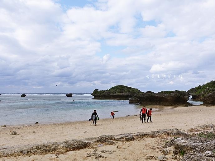 20 沖繩自由行 水上活動 香蕉船 Marine Support TIDE 殘波 藍洞海洋觀光 藍洞浮潛&珊瑚礁 餵食熱帶魚浮潛