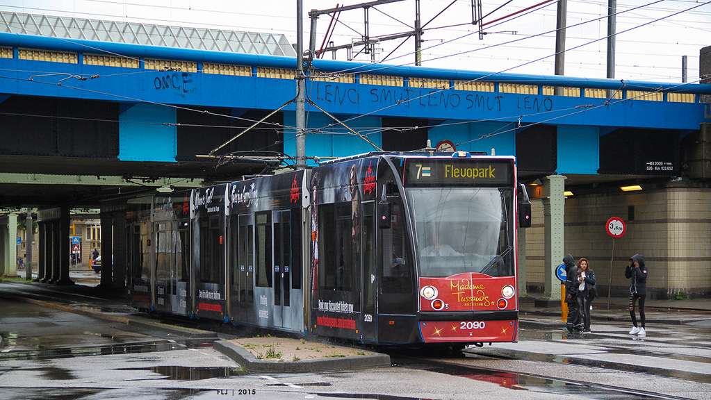 how to take tram in amsterdam