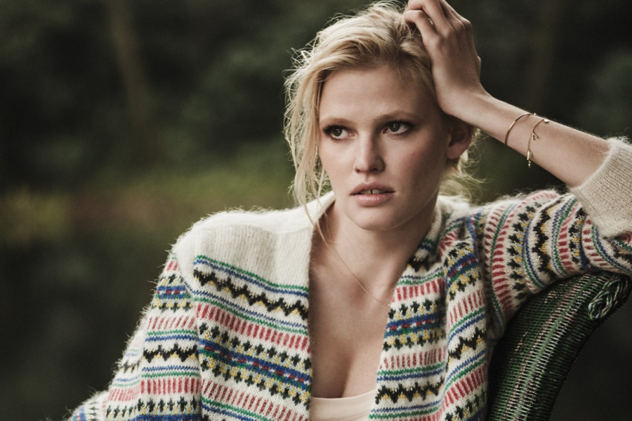 Lara Stone The Edit December 2016