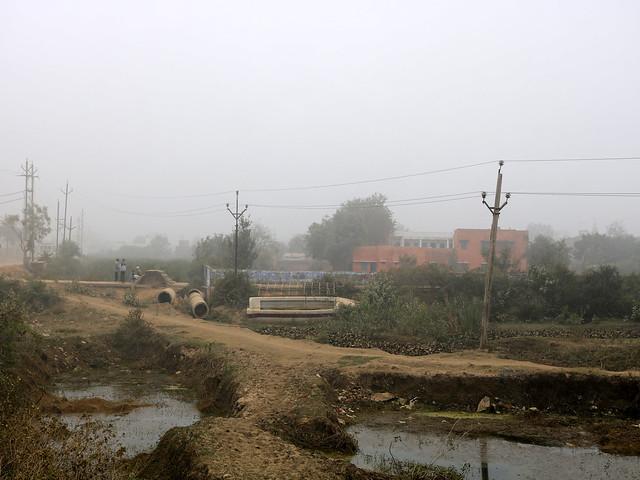 सीता सागर की जमीन पर बना अवैध मकान