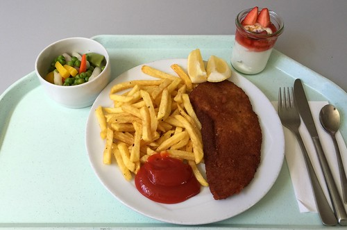 "Pork escalope with french fries / Schweineschnitzel ""Wiener Art"" mit Pommes Frites"