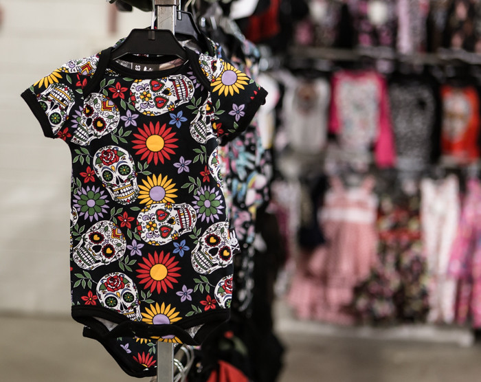 kallo body sugar skull  (1 of 1)