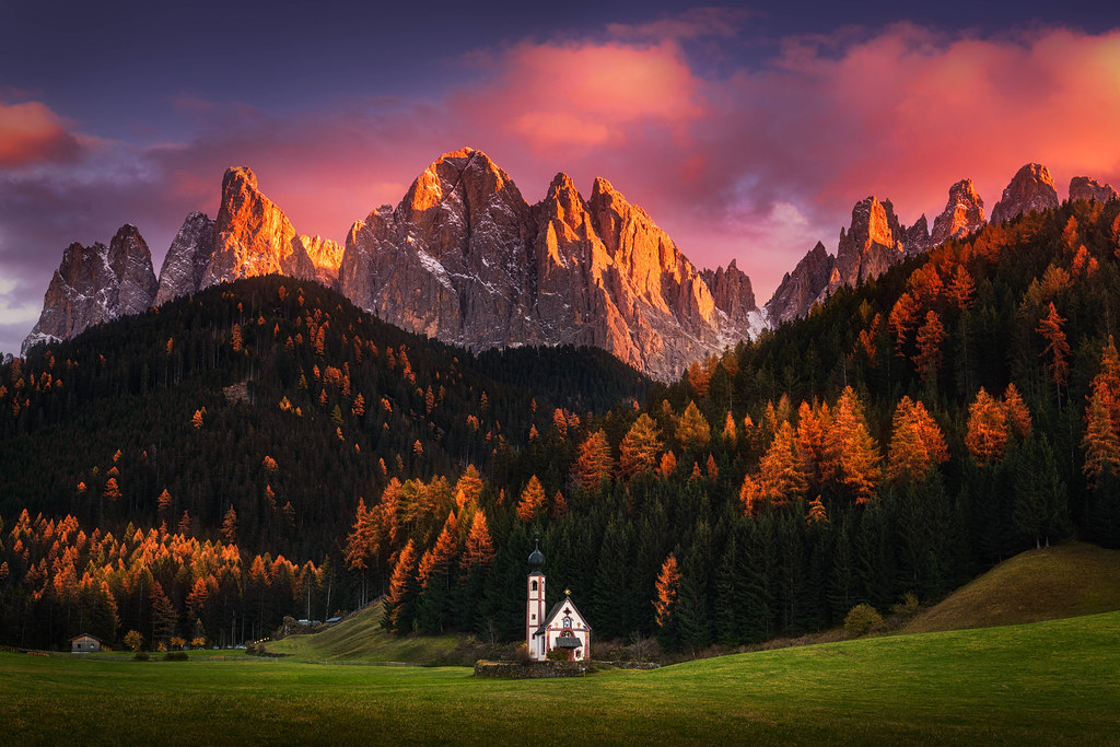 Autumn faith the beautiful st johann church in the for Landscape photos